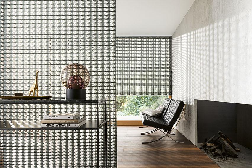 Wohnzimmer mit Sonnenschutz